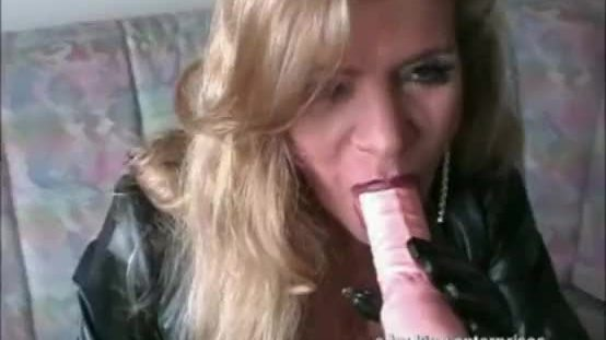 Bigboobed Traudl Caff gets merciless fucked by machine in pussy and ass