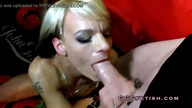 Girls gives cumswap and gets cumshots