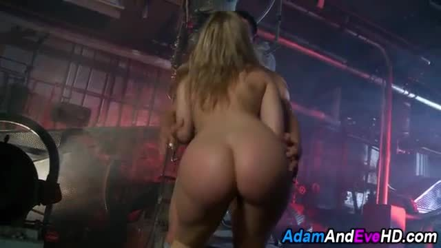Chick sucks studs cock