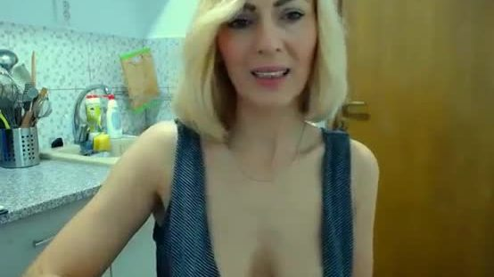 Wet Cougar Mommy Orgasm
